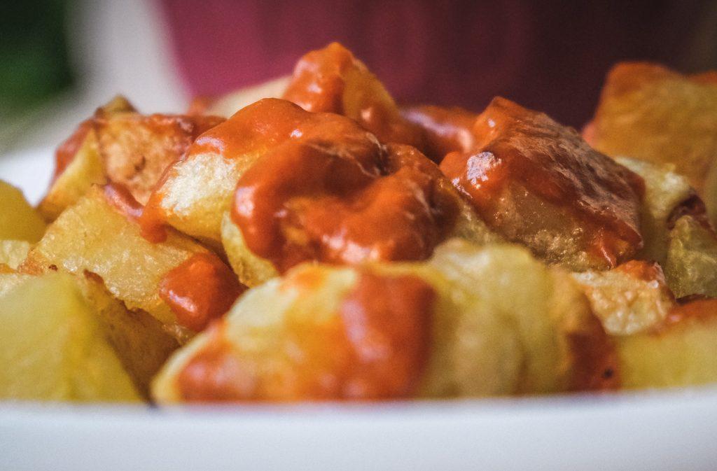 How-to-make-patatas-bravas