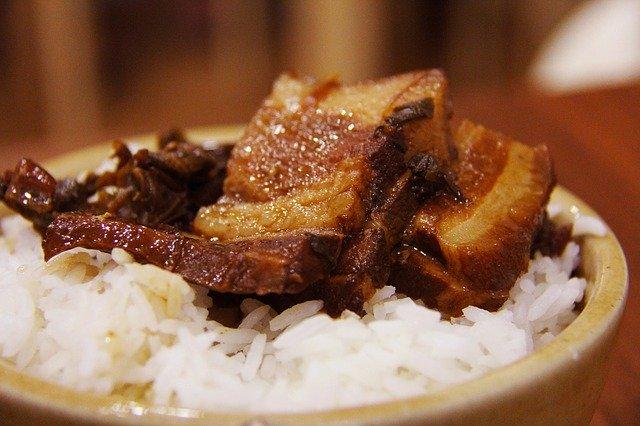 Spanish-pork-chops-with-rice