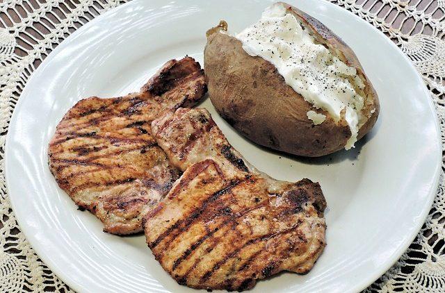 baked-spanish-pork-chops