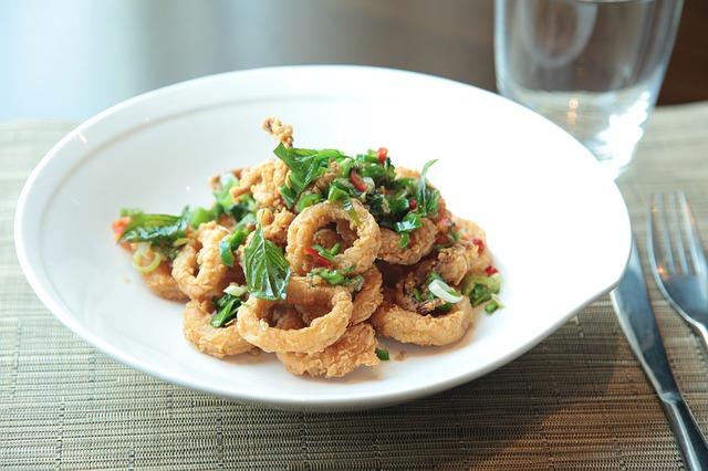 fried-calamari-salad