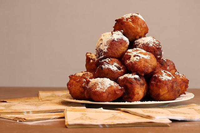How-to-make-buñuelos-balls