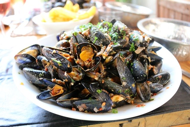 Spanish-mussels-in-tomato-sauce