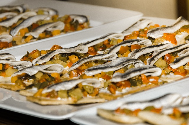 How-to-eat-Spanish-anchovies