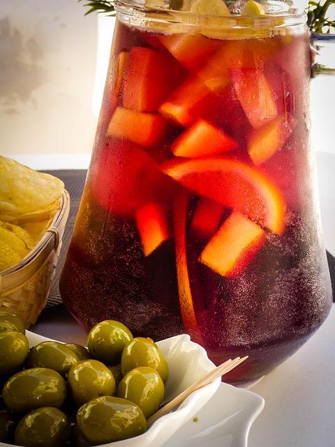 Tinto-de-verano-and-sangria